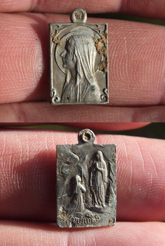 Médaille de Lourdes en alu 4400560b