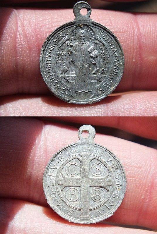 Medaille de Saint Benoit ou Medaille des Sorciers XIX-XX 5fe2bc57