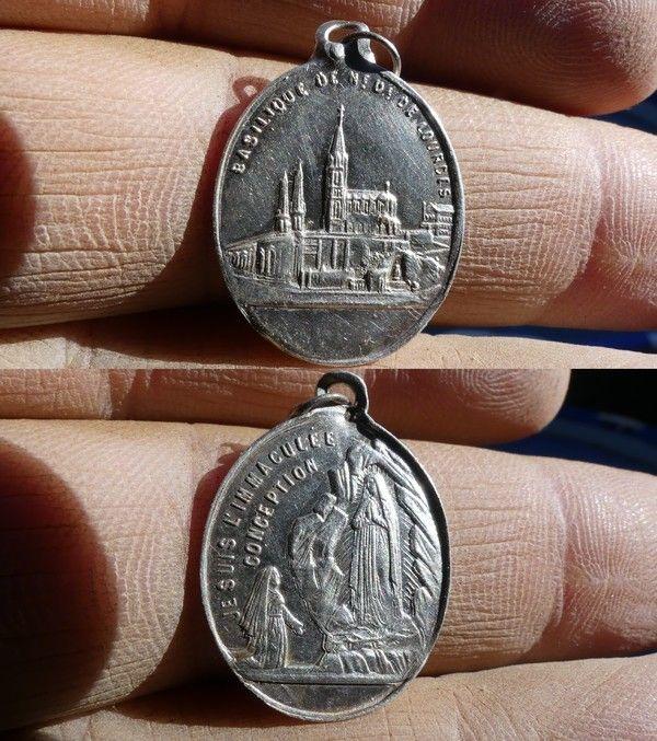 Médaille de Lourdes en argent 6c24b2cd