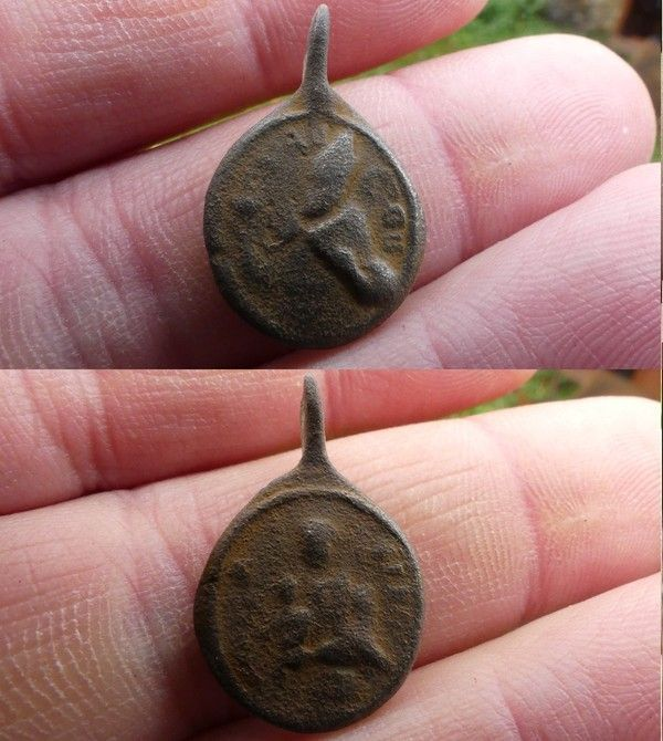 Medaille St Augustin d'Hippone XVII-XVIII Cfc3e0ad